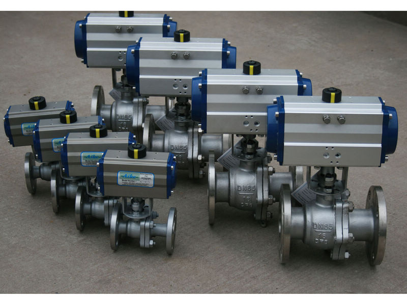 Pneumatic cast steel floating ball valves