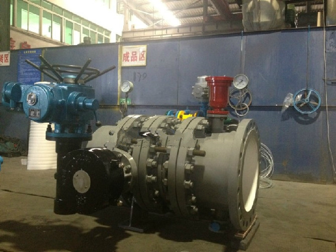 Hydraulic control water turbine inlet butterfly valves